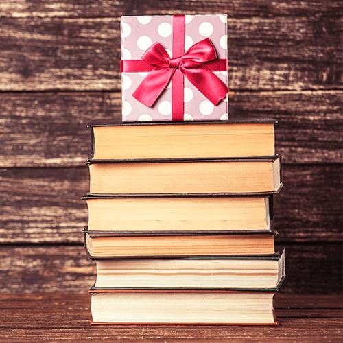 Libros excepcionales para regalar a un fanático de los autos en esta Navidad