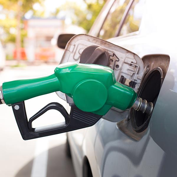 7 formas útiles de ahorrar gasolina en la ciudad