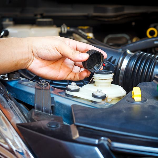 Lo que hay debajo del cofre: Cómo y para qué funciona cada lubricante en el motor